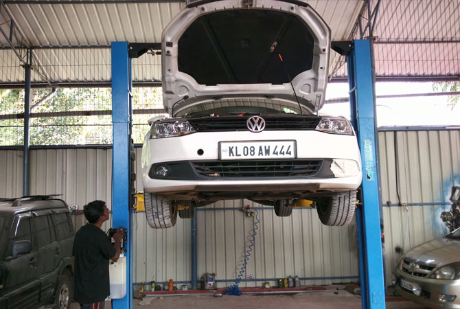 Periodic Service for Cars in Thrissur,kerala